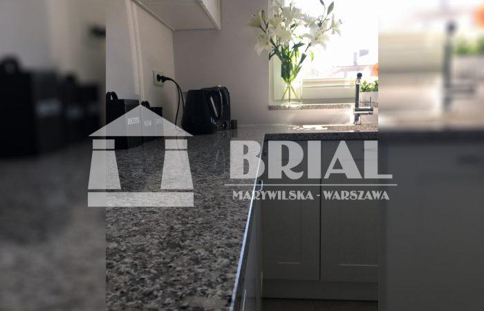 szary blat granitowy do kuchni, hiszpański granit w kuchni, Blat kuchenny z szarego granitu, Warszawa kamieniarstwo